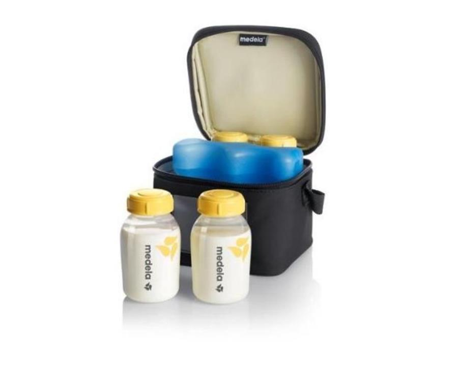 Medela Cooler Bag with 4 X 150ml Breastmilk Bottles